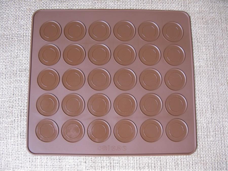 Коврик силиконовый для изготовления макаронс 30 ячеек