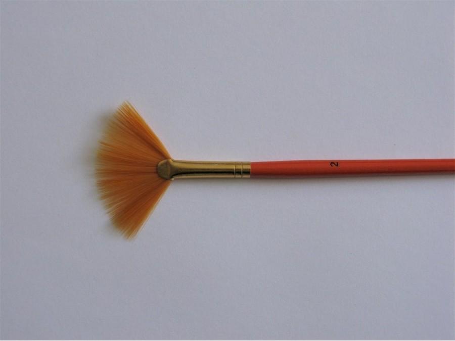 Кисть веерная № 2 оранжевая