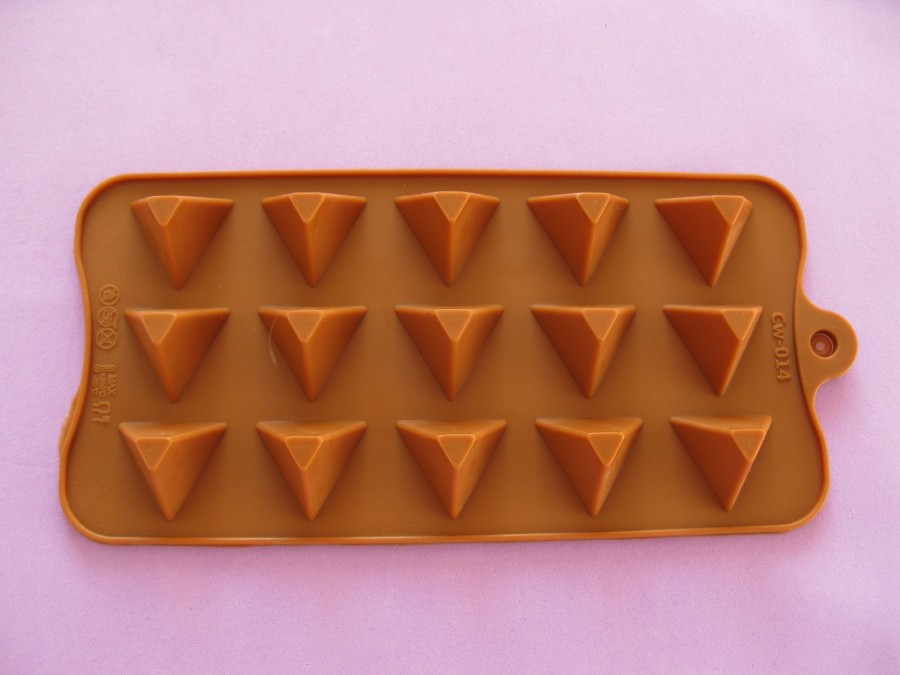 Силиконовая форма на планшетке для льда, шоколада, мастики Пирамиды