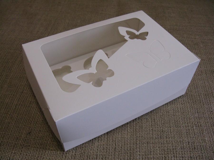 Коробка для кексов на 6 шт, 25х17х9 см Белая с окошком Бабочки