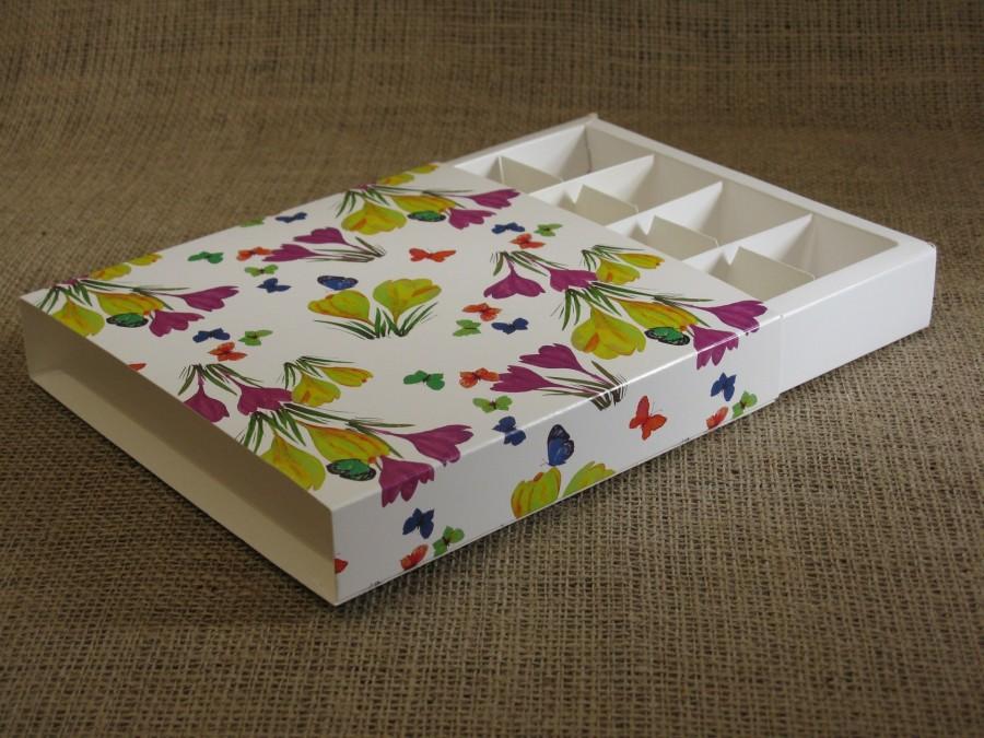 Коробка-пенал для конфет на 16 шт, 16,5х16,5х3см  Цветы