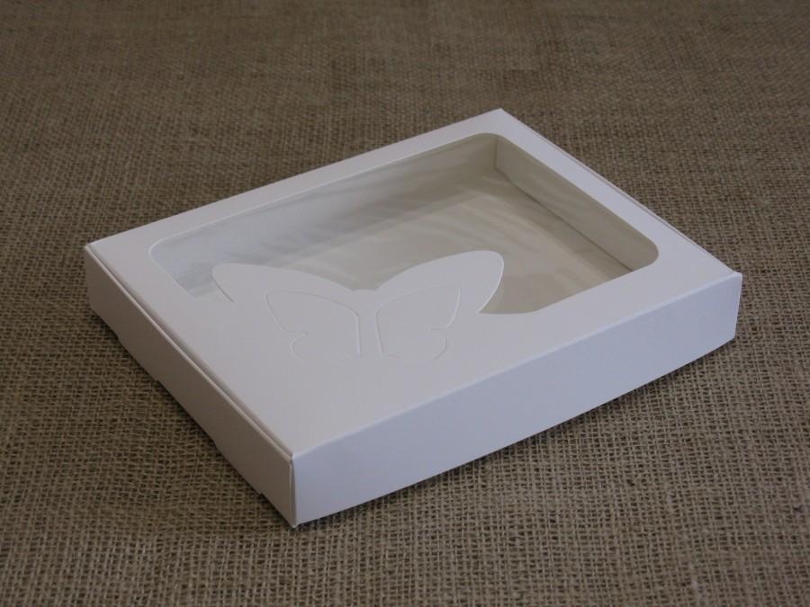 Коробка для пряников/печенья 20х15х3 см Белая окно Бабочка